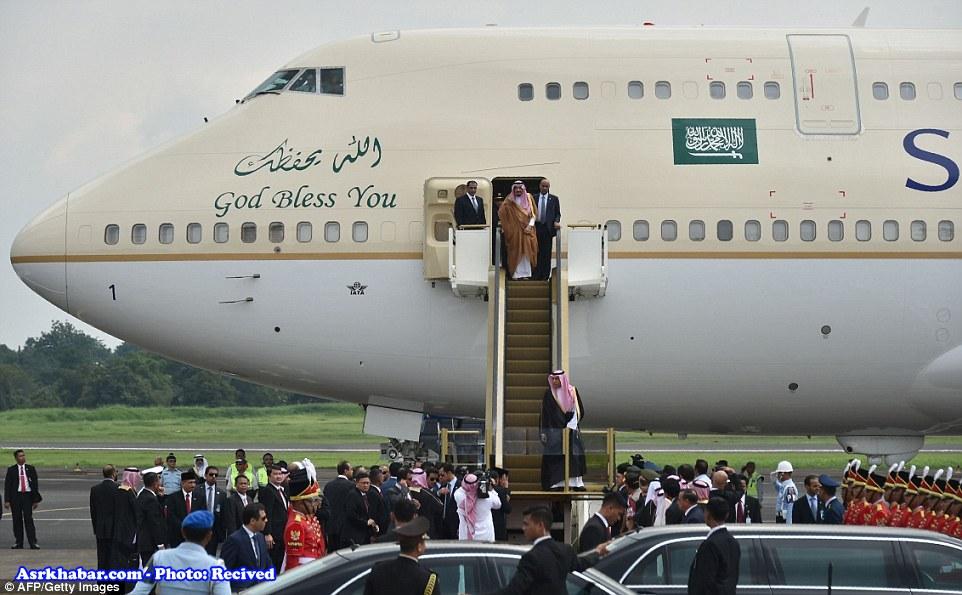 سازماندهی 60000 هزار دانش آموز اندونزی برای استقبال از پادشاه سعودی (+عکس)