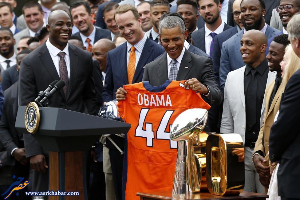 اوباما لباس رزشی هدیه گرفت (عکس)