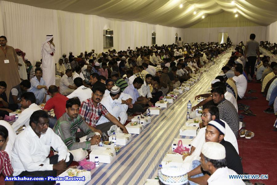 تکذیب پاداش 500 هزارتومانی برای افطار در مسجد شیخ زائد امارات (+عکس)