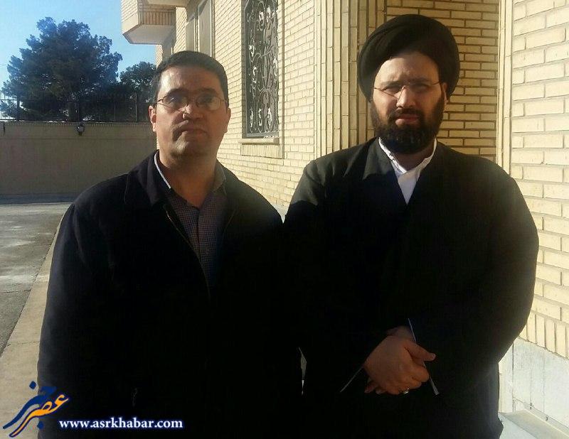 فعال رسانه اي در کنار سيد علي خميني (عکس)