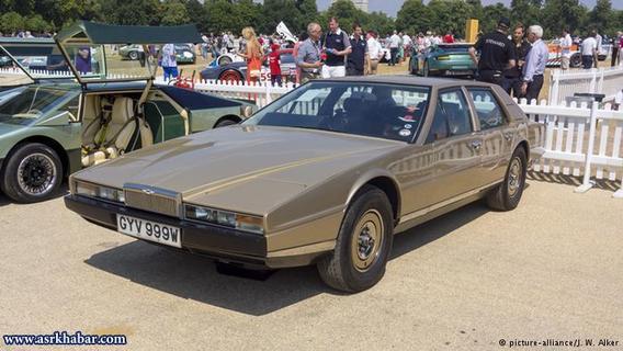 Aston Martin Lagonda/آستون مارتین لاگوندا، خودرویی است بریتانیایی که بین سالهای ۱۹۷۶ تا ۱۹۸۹ تولید شده است.