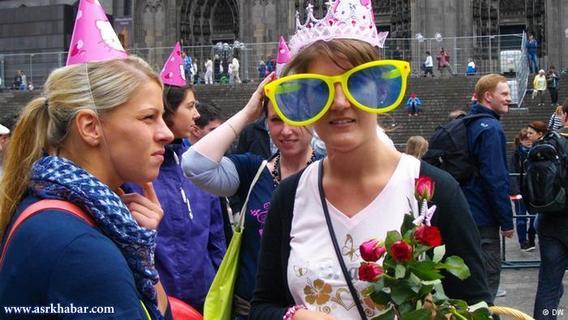 این مراسم در آلمان معمولا آخرهفتهها برگزار میشود.